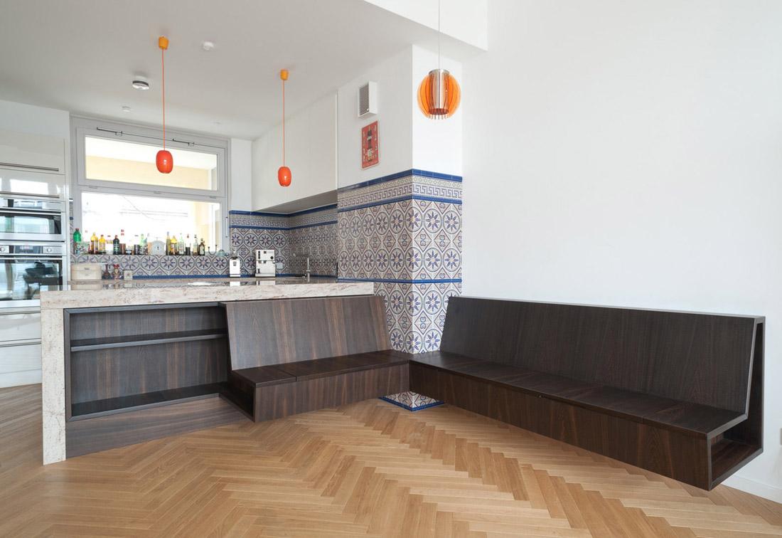 Küchenblock mit sitzbank  Anita Eyrich - Die Treppe als begehbare Raumskulptur, Berlin Pankow